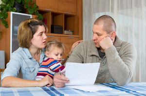 rodzina z problemami finansowymi